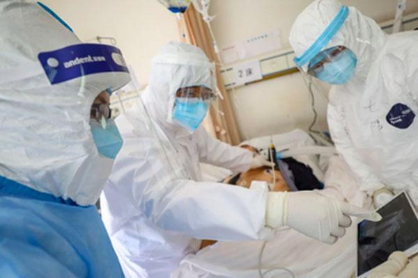 Phi công người Anh vẫn phải lọc máu ECMO, chuẩn bị chờ ghép phổi-1