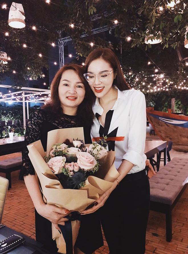 Hà Tăng, Angela Phương Trinh và những mỹ nhân được khen đẹp như mẹ-8