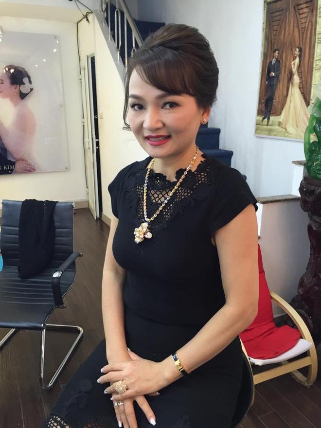 Hà Tăng, Angela Phương Trinh và những mỹ nhân được khen đẹp như mẹ-9