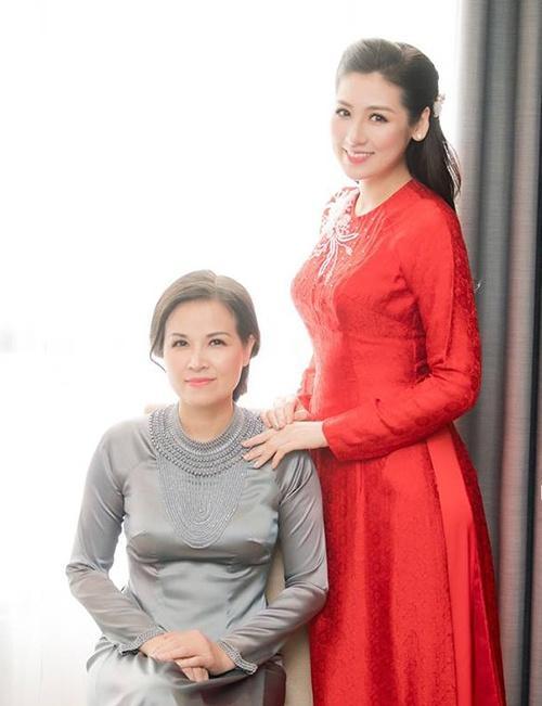 Hà Tăng, Angela Phương Trinh và những mỹ nhân được khen đẹp như mẹ-11