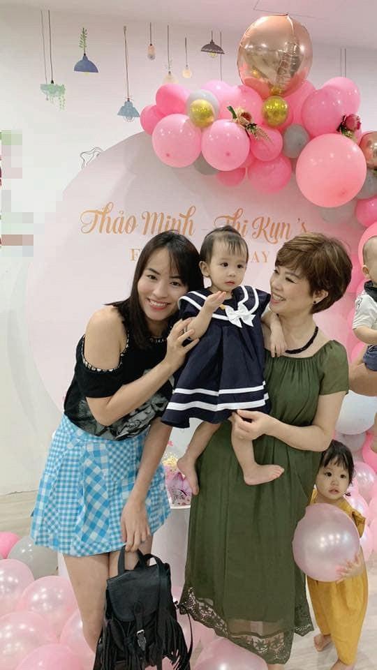 Vợ cũ Chí Trung tươi rói xuất hiện trong sinh nhật cháu nội-3