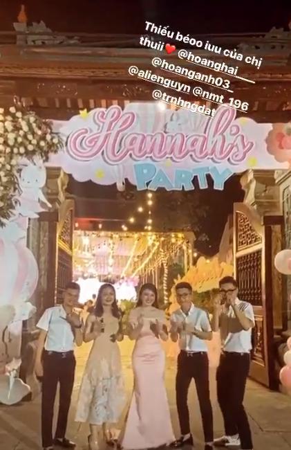 Tổ chức tiệc rich kid cho con gái 3 tháng, nhan sắc cô dâu 200 cây vàng ở Nam Định gây sốt-5