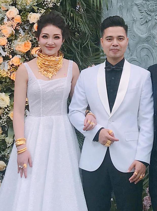 Tổ chức tiệc rich kid cho con gái 3 tháng, nhan sắc cô dâu 200 cây vàng ở Nam Định gây sốt-1