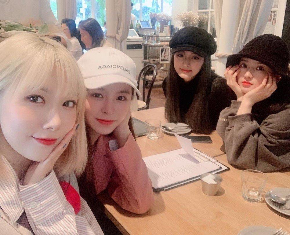 Hội bạn thân Kpop: Jennie - Irene chị chị em em, V - Yoona bị nghi hẹn hò-16
