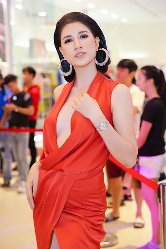 Bị hỏi làm ngực đau không, Trang Trần trả lời khiến hội chị em rùng mình kinh hãi-7