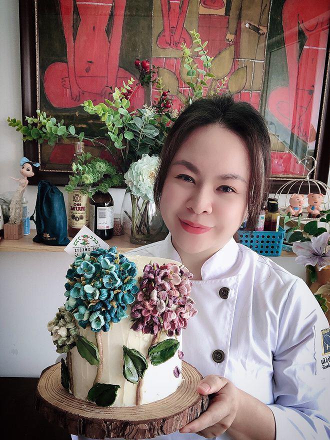 Bỏ kinh doanh đi bán bánh kem nghệ thuật, mẹ Hà Nội doanh thu 70 triệu/tháng-1