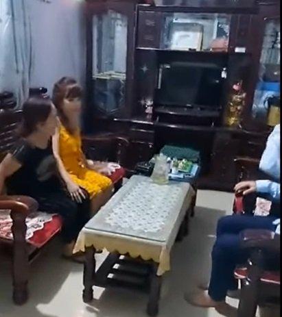 HOT: Vợ chồng cô dâu Cao Bằng hội ngộ lão bà 65 và anh xã ngoại quốc 28 ở Đồng Nai-3