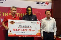 Tỷ phú trúng 192 tỉ Vietlott: Sẽ đọc báo để học cách tiêu tiền, vẫn giấu vợ con một thời gian nhằm tìm hiểu phản ứng vì 'lấy vàng thử đàn bà...'