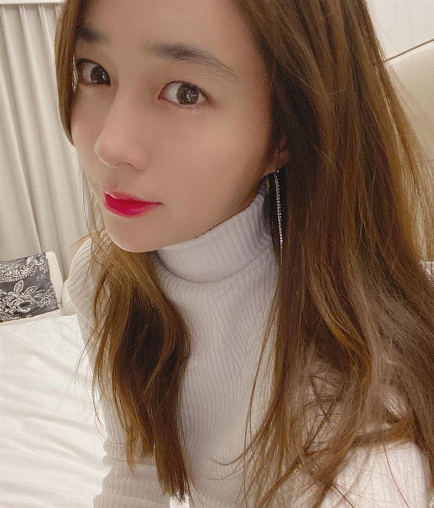 Dàn mỹ nữ Hàn bị chỉ trích vì tiệc tùng giữa mùa dịch-3