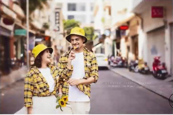 Cô dâu Việt 65 tuổi lộ ảnh cưới chất như tuổi teen với chồng Tây 28 tuổi-4