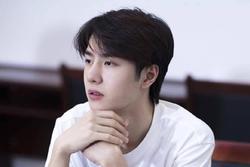 Vừa hết 'Hữu Phỉ', Vương Nhất Bác đã đóng phim với chồng Trần Nghiên Hy, đẹp trai cực phẩm khi đọc kịch bản