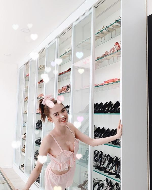 Ngọc Trinh lại khoe tủ giày hiệu chất cao như núi trong nhà, con số vượt xa 300 đôi-2