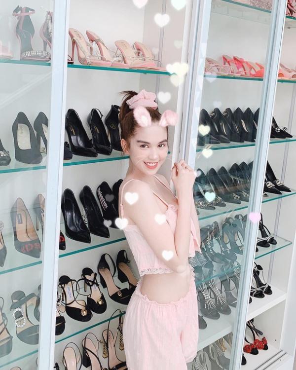 Ngọc Trinh lại khoe tủ giày hiệu chất cao như núi trong nhà, con số vượt xa 300 đôi-11