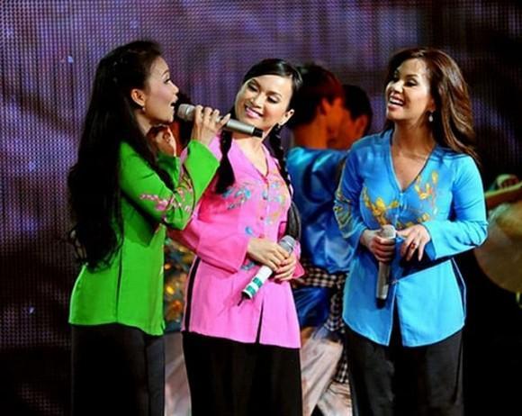 Ảnh hiếm khi bé của 3 chị em Cẩm Ly, Hà Phương và Minh Tuyết khiến ai cũng bất ngờ vì quá xuất chúng-3