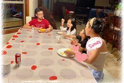 Hồng Ngọc đã ngồi ăn sáng cùng các con, thêm ảnh cận mặt cho thấy phục hồi cực nhanh