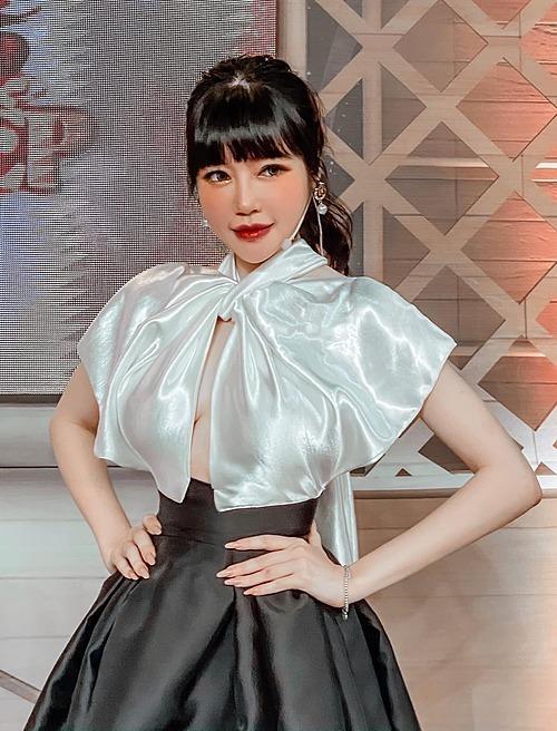 SAO MAKE OVER: Sam lộ mặt mụn - Ji Yeon T-ara trang điểm hai hàng lông mày khó hiểu-3
