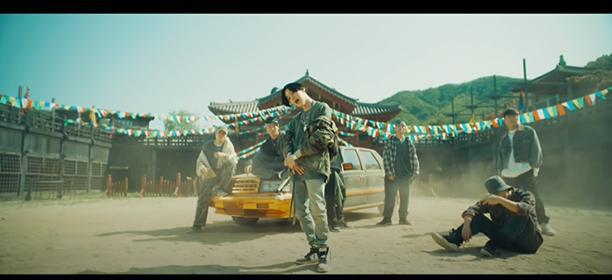 Suga (BTS) bất ngờ trở lại với MV Daechwita-2