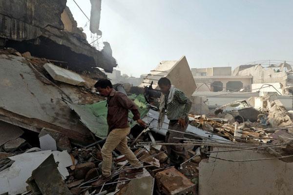 Có thể còn người sống sót trong vụ máy bay Pakistan rơi-2