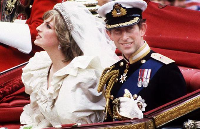 Những scandal hoàng gia liên quan tới Hollywood-3