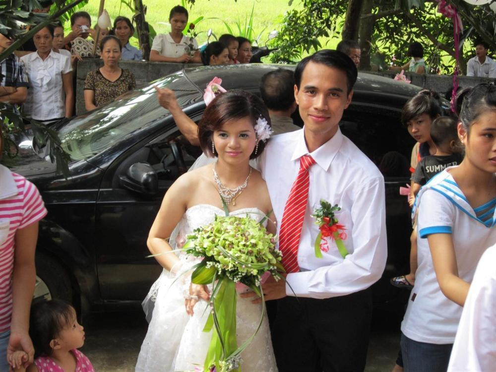 Chàng trai liệt cả 2 chân cưới được vợ nhờ nhắn tin làm quen qua MXH-1