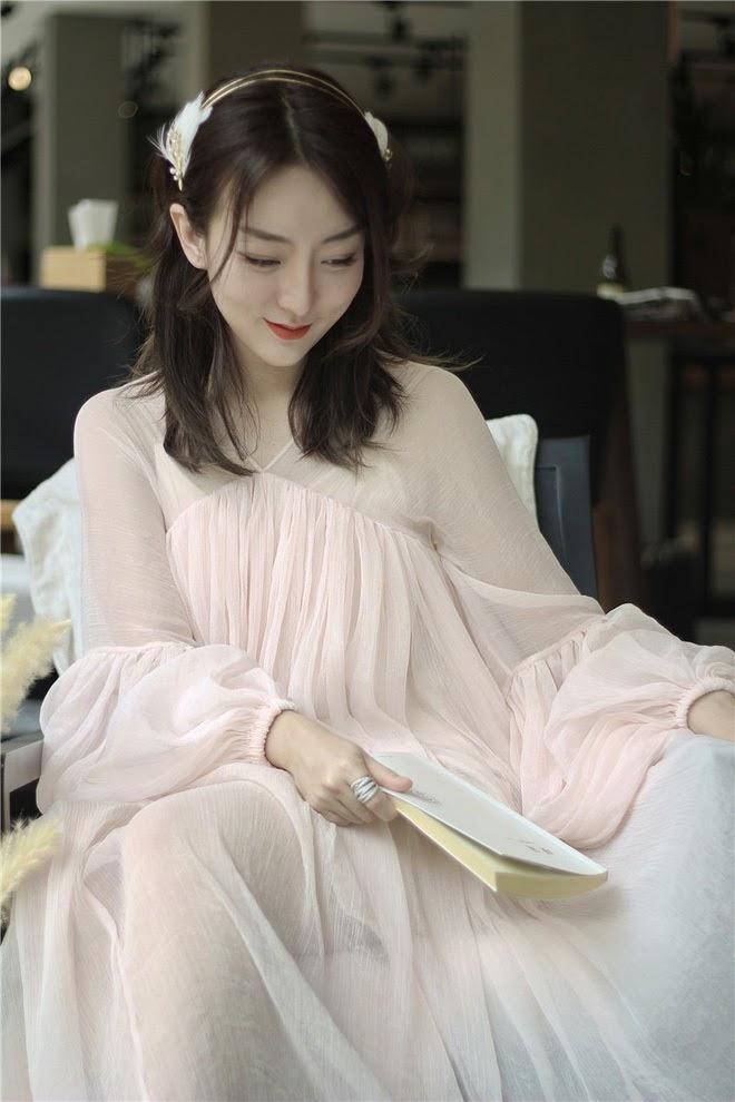 Giữa tin đồn bầu bí, Hồ Ngọc Hà còn vướng nghi vấn mặc váy nhái Taobao-7