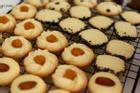 Tự làm bánh quy bơ không cần máy đánh trứng