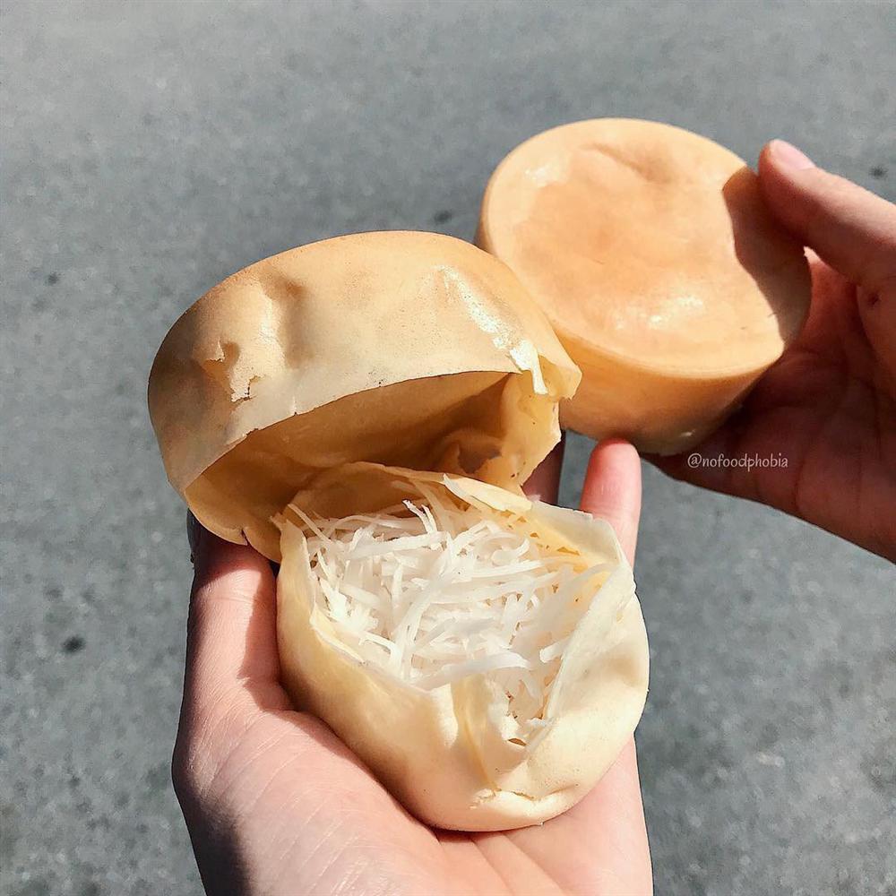 Bánh bò dừa nướng ngon rẻ khu Bách Khoa, chỉ 5.000 đồng/chiếc gợi về cả thời đại học-1