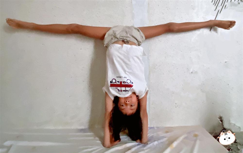 Ái nữ 8 tuổi nhà Bình Minh khoe chân dài kinh ngạc, dàn mỹ nhân showbiz dụi mắt trầm trồ-1
