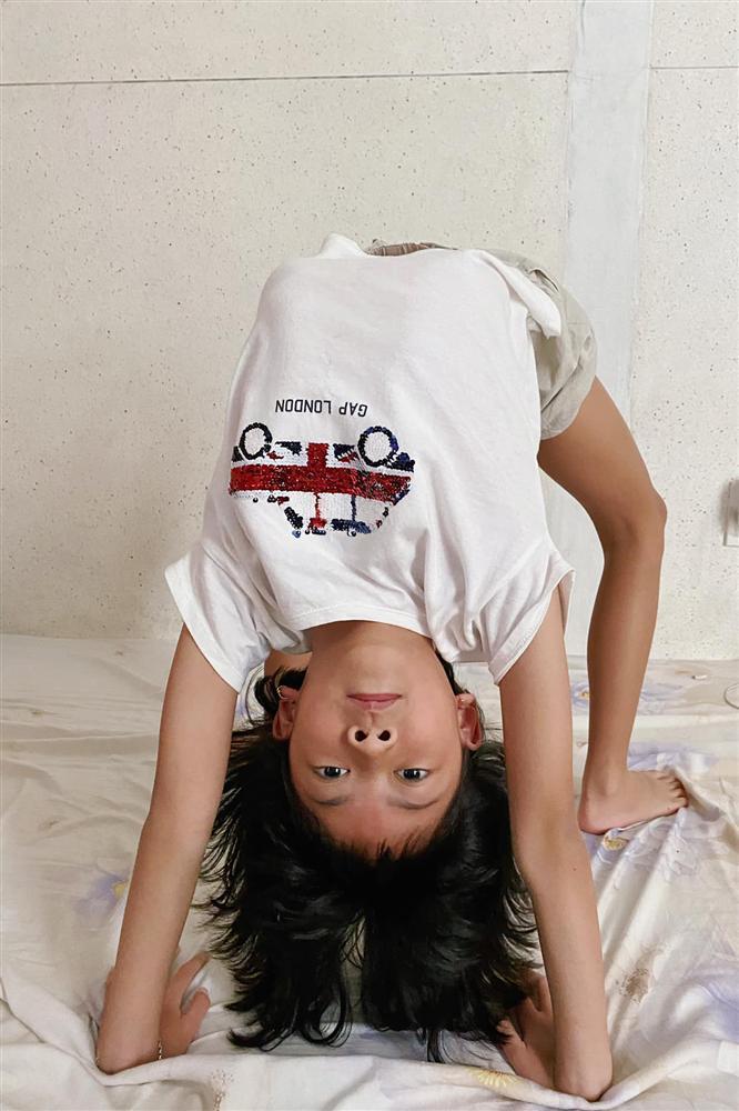 Ái nữ 8 tuổi nhà Bình Minh khoe chân dài kinh ngạc, dàn mỹ nhân showbiz dụi mắt trầm trồ-2