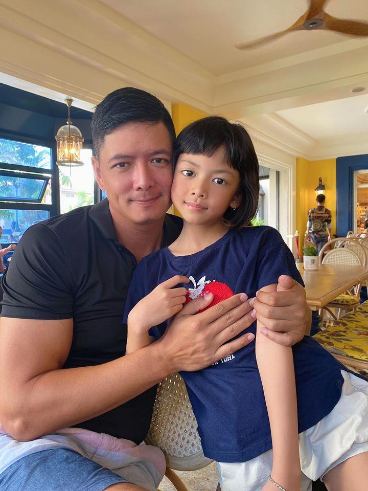 Ái nữ 8 tuổi nhà Bình Minh khoe chân dài kinh ngạc, dàn mỹ nhân showbiz dụi mắt trầm trồ-5