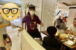 Trương Bá Chi đi ăn với người đàn ông lạ nhưng hành động khi bị phát hiện mới đáng nói