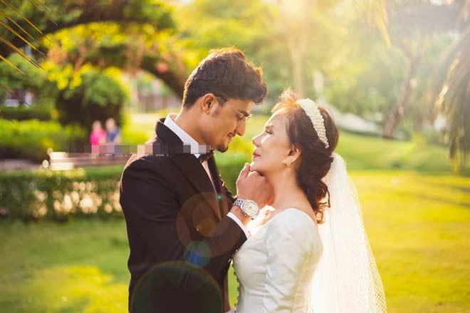 Ảnh cưới chưa nguội, cô dâu Việt 65 tuổi và chồng Tây 28 lại gây tranh cãi với clip đút cơm cho nhau-2