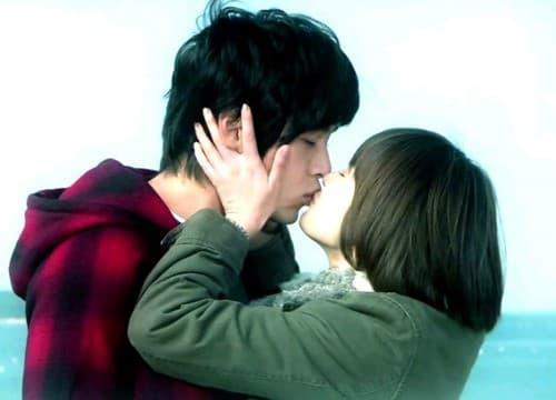 Cảnh quay Song Hye Kyo vỗ mông Hyun Bin bỗng sốt trở lại khi tin đồn tái hợp rộ lên trên mạng-3