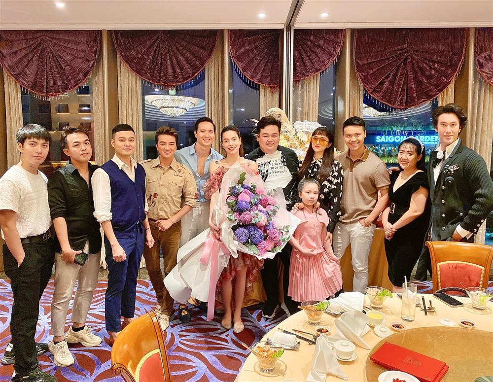Dự sinh nhật bạn thân, Hồ Ngọc Hà dùng chiêu ngụy trang quyết giấu song thai-1