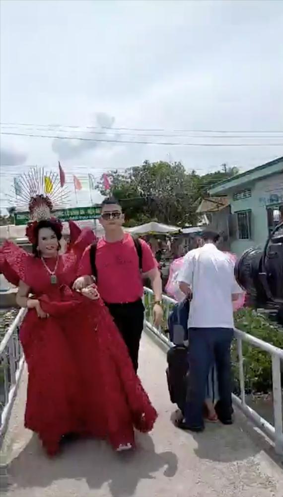 Cô Minh Hiếu đình đám giới LGBT gây sốc khi tiết lộ sắp lấy chồng lần thứ 11-3