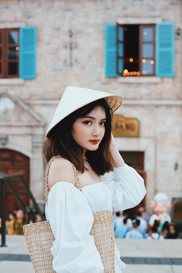 Quán lẩu ở Hà Nội bị khách tố bán đồ ăn vừa đắt lại dở, nhưng lầy nhất là nhân viên phục vụ tự ý dùng điện thoại và Facebook của khách để review 5 sao?-8