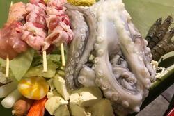 Quán lẩu ở Hà Nội bị khách tố bán đồ ăn vừa đắt lại dở, nhưng 'lầy' nhất là nhân viên phục vụ tự ý dùng điện thoại và Facebook của khách để review 5 sao?