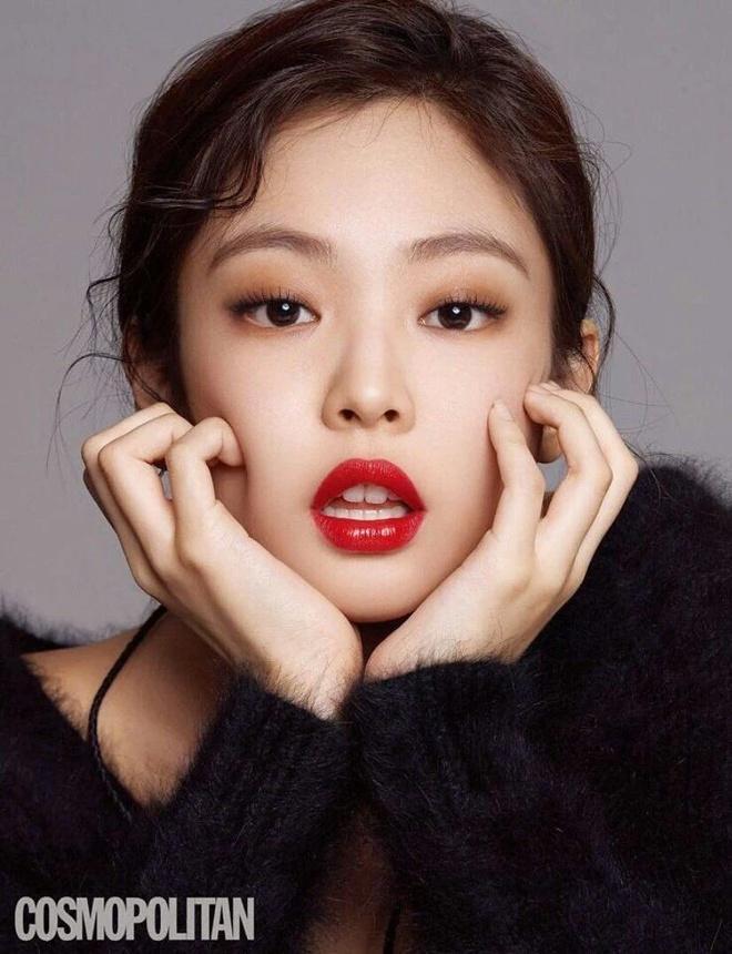 Những nàng công chúa Kpop:  Jennie - Sulli được cưng chiều, Xiyeon bị hắt hủi xót thương-2
