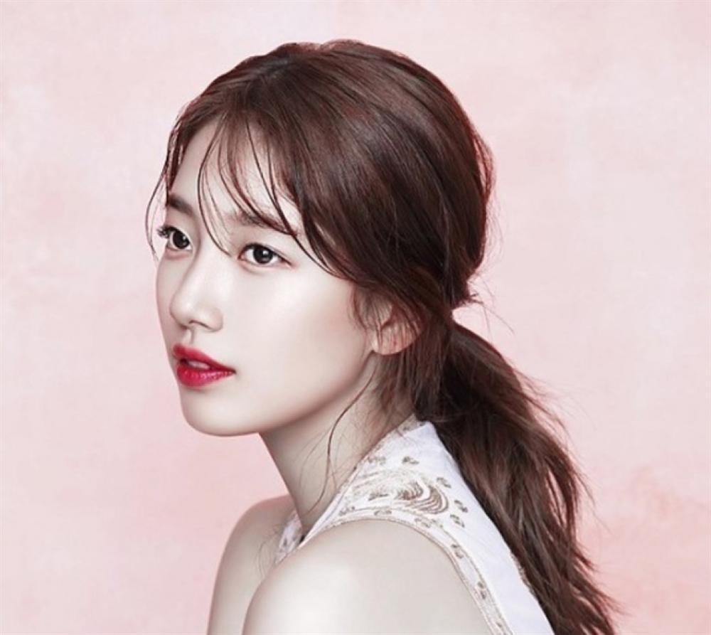 Những nàng công chúa Kpop:  Jennie - Sulli được cưng chiều, Xiyeon bị hắt hủi xót thương-9