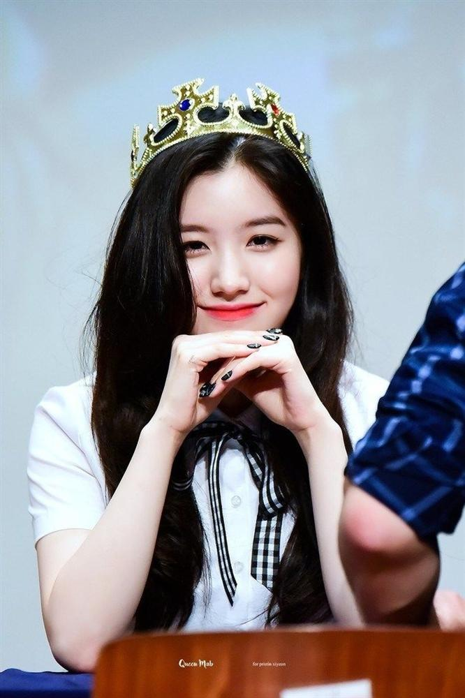 Những nàng công chúa Kpop:  Jennie - Sulli được cưng chiều, Xiyeon bị hắt hủi xót thương-11