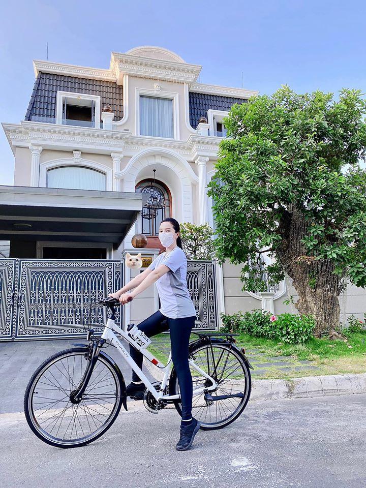 Bảo Thy khoe dự án đất biển ở Phan Thiết, dân mạng một lần nữa trầm trồ tài sản nhà đại gia-4