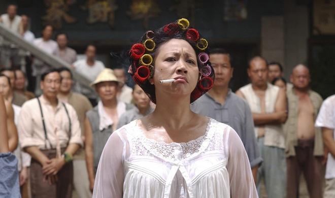 Đả nữ dám mắng Hồng Kim Bảo, khiến Châu Tinh Trì hạ mình giờ ra sao?-3