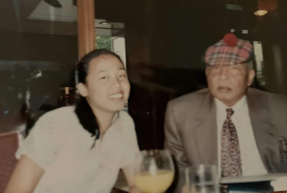 Nhật ký công chúa đời thực - cô gái phát hiện bố là vua năm 14 tuổi-2