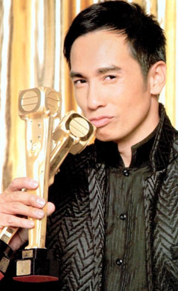 5 diễn viên TVB đoạt giải Thị Đế - Thị Hậu bị khán giả ném đá kịch liệt-7