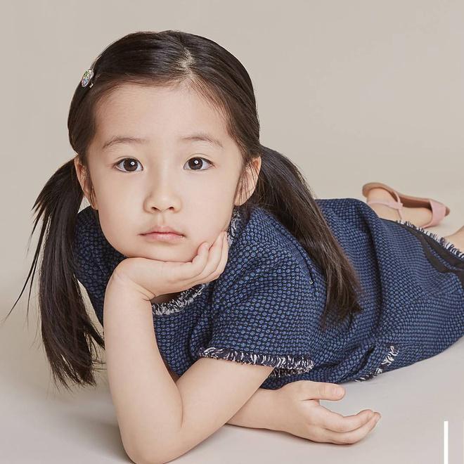 Con gái của những 'tường thành nhan sắc' châu Á-1