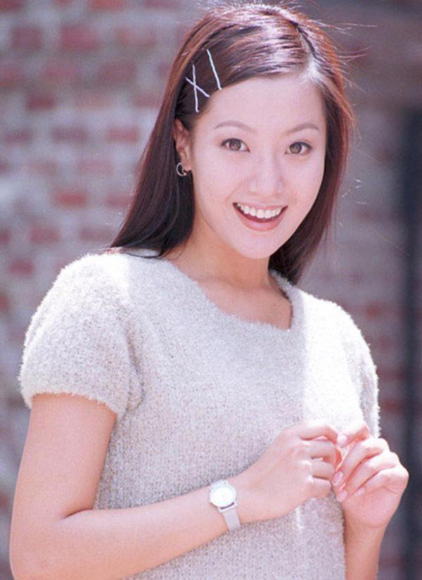 Kim Hee Sun: Từng đau đớn tới mức muốn giải nghệ, bỏ xứ ra đi vì ngoại hình con gái bị miệt thị-2