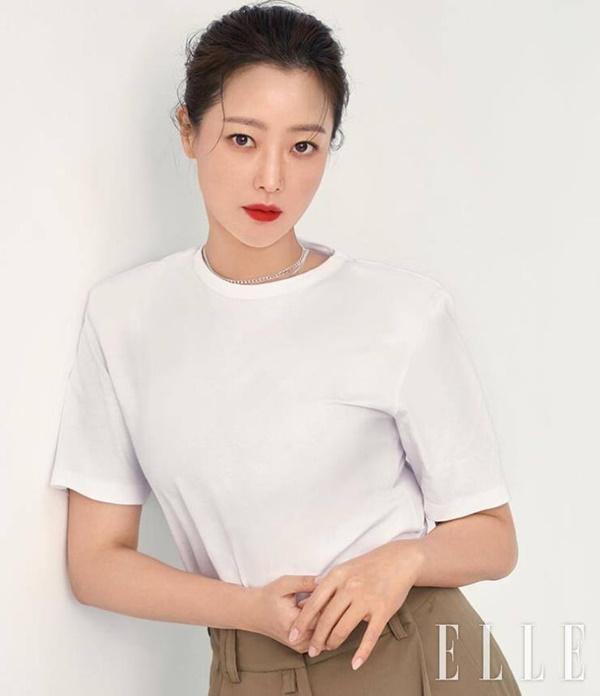 Kim Hee Sun: Từng đau đớn tới mức muốn giải nghệ, bỏ xứ ra đi vì ngoại hình con gái bị miệt thị-9