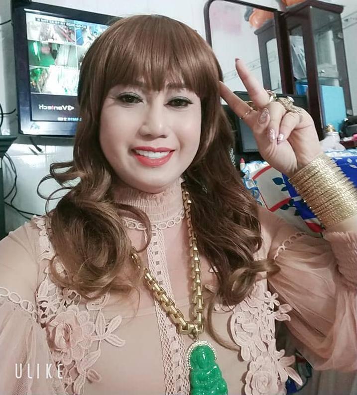 Gu thời trang cồng kềnh, đồng bóng của cô Minh Hiếu 7 miếng đất-8