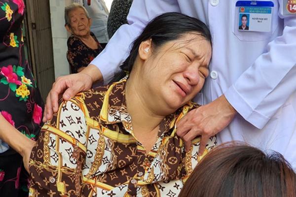 Trước khi qua đời tại bệnh viện vì bị cây đè trúng, nam sinh lớp 6 vẫn gắng gượng thì thào với thầy cô Em không sao-3