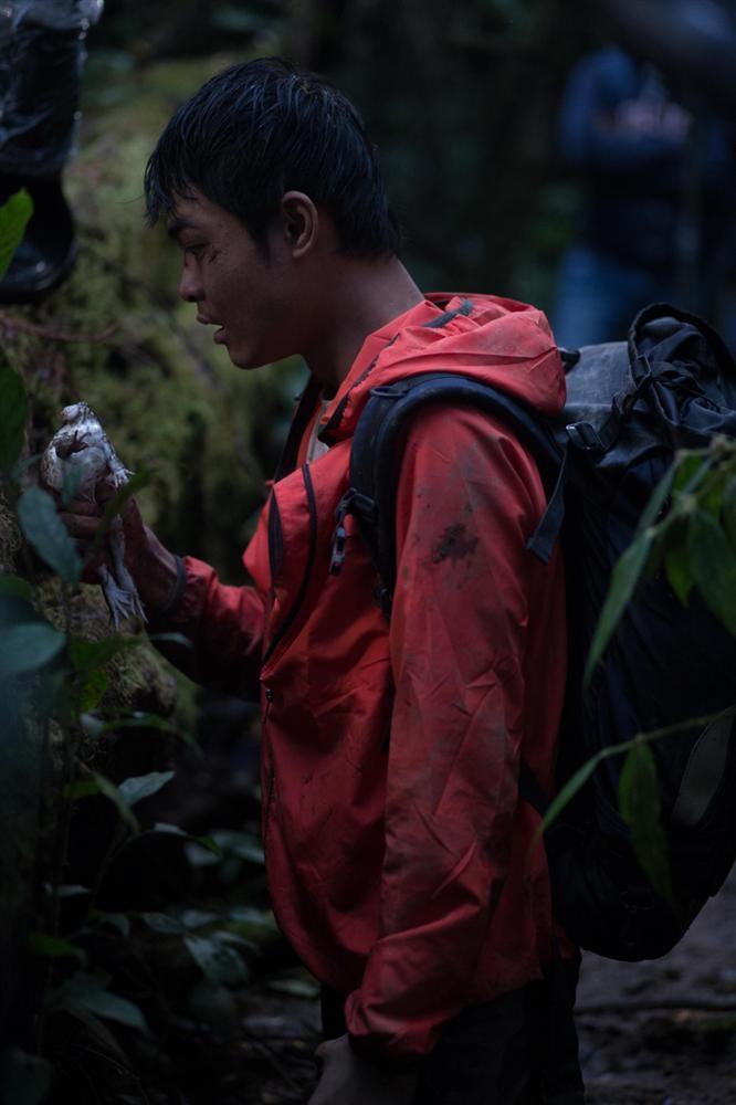 Diễn viên phim sinh tồn Tà Năng Phan Dũng phải ăn 3 con ếch sống khi vào vai phượt thủ-2